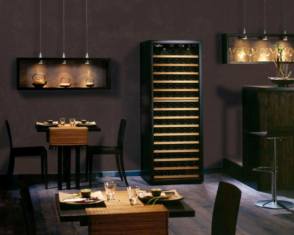 je pr f re avoir une cave a vin d appartement. Black Bedroom Furniture Sets. Home Design Ideas