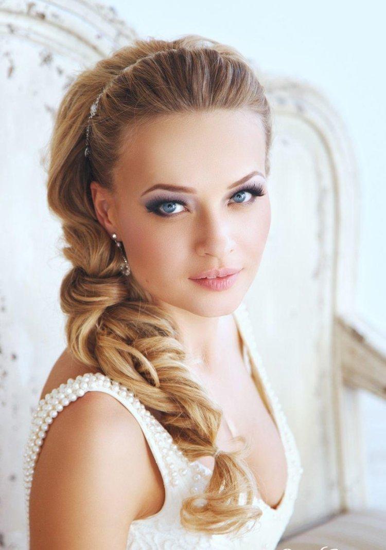 Quelle Coiffure Choisir dedans coiffure mariage : faites plusieurs essais avant de choisir votre